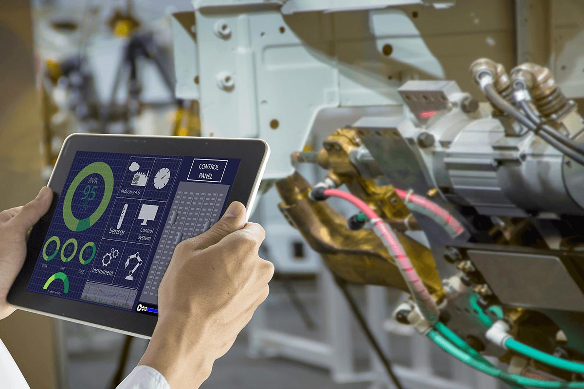 przemysł 4.0 monitorowanie pracy maszyn